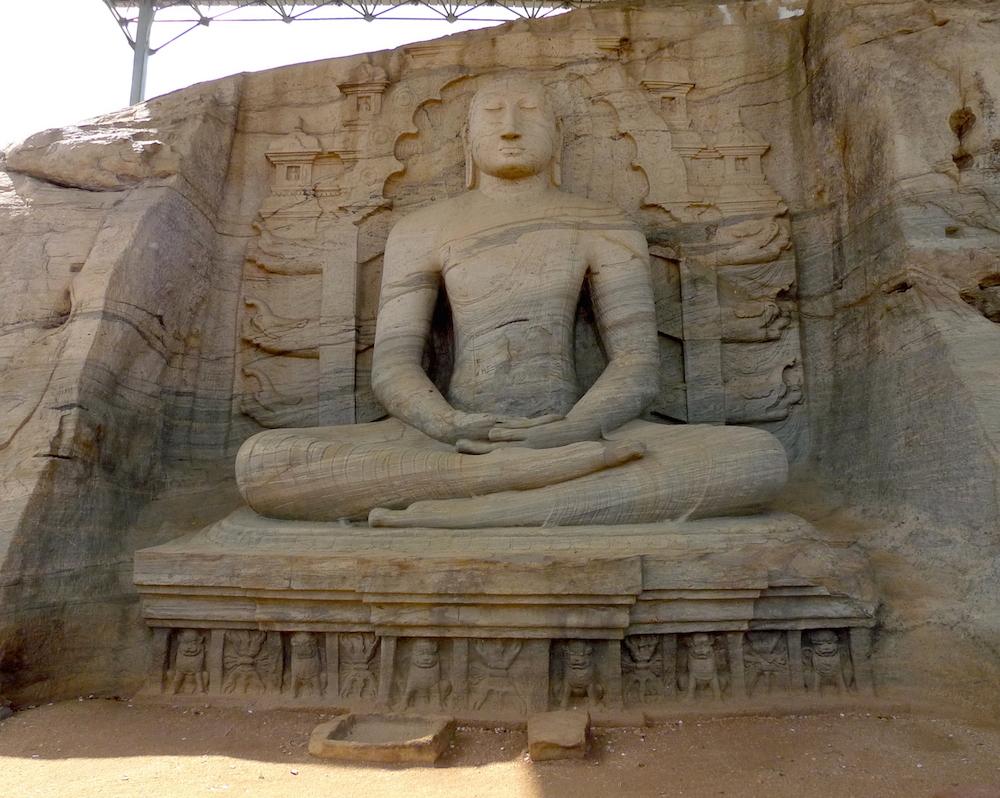 24 - Statue at Gal Vihariya